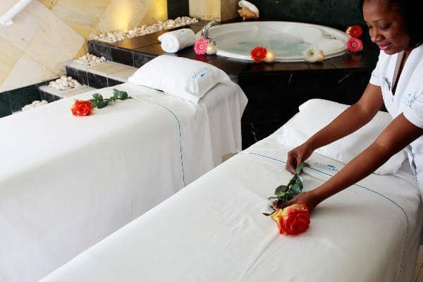 Hot stone massage with essential oils in Jamaica
