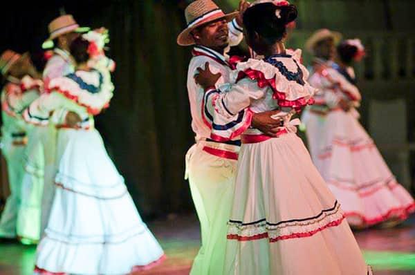Bailar merengue en La Romana