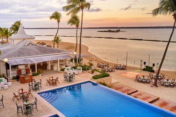 boda hotel piscina