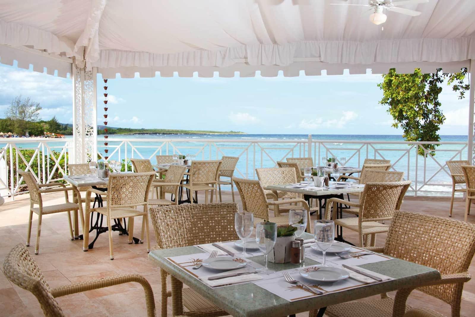 Restaurants And Bars In Resort Jamaica Bahia Principe Hotels