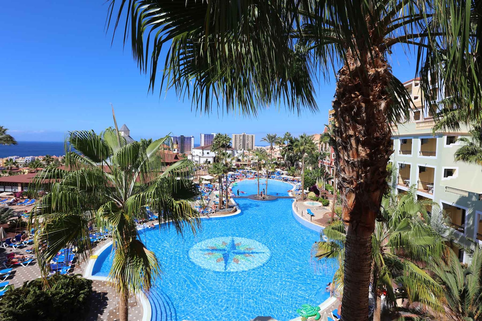 Aeroporto Tenerife Sud : Bahia principe tenerife bahia principe hotels