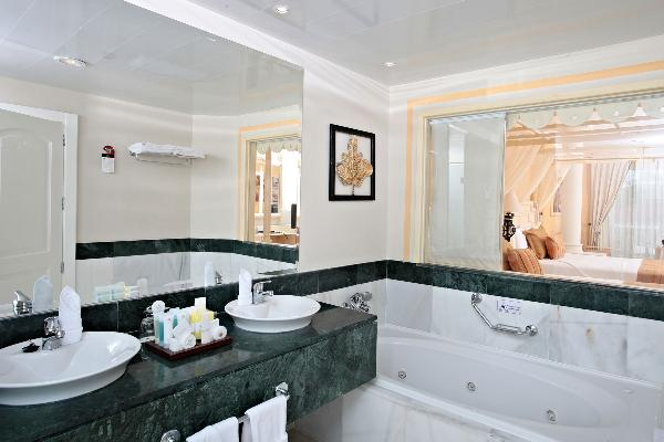 Bath at Junior Suite Deluxe Room at Luxury Bahia Principe Bouganville Don Pablo Collection