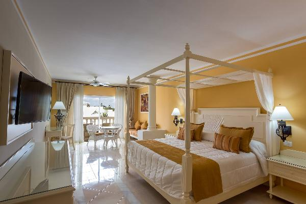 Junior Suite Deluxe Room Luxury Bahia Principe Bouganville 1