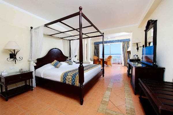 Junior Suite Superior at Grand Bahia Principe Jamaica 1