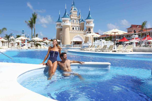 Famlilies at Luxury Bahia Principe Fantasia
