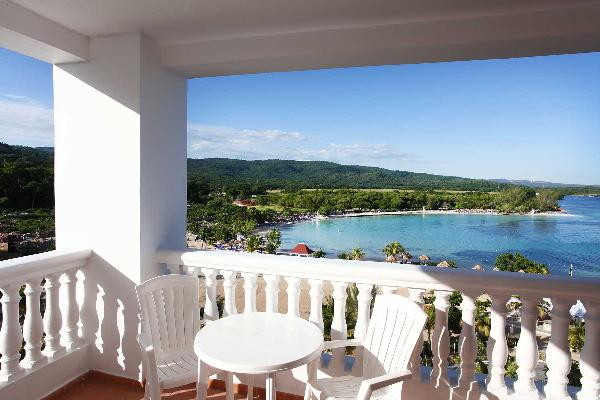 Junior Suite Superior at Grand Bahia Principe Jamaica 2