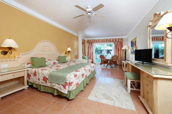 Junior Suite Room Grand Bahia Principe El Portillo 1