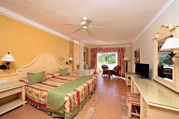 Junior Suite Room Grand Bahia Principe El Portillo 3